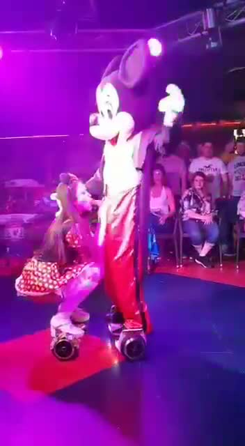 mickey gets blowjob by minnie on segue