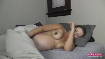 Mommy Wakes Up 1 gif