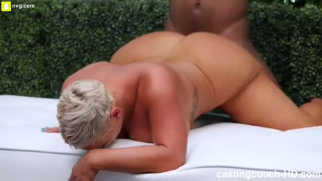 shorthaired pawg milf doggystyle