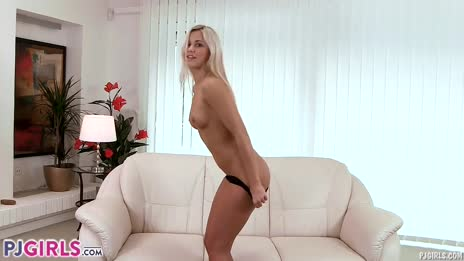 PJGIRLS Sweet Lollapop - Lick and taste Lola s sweet juicy pussy