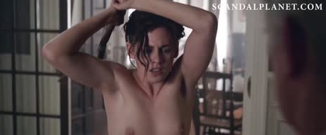 Kristen Stewart I wanna suck her tits and cum on her armpits